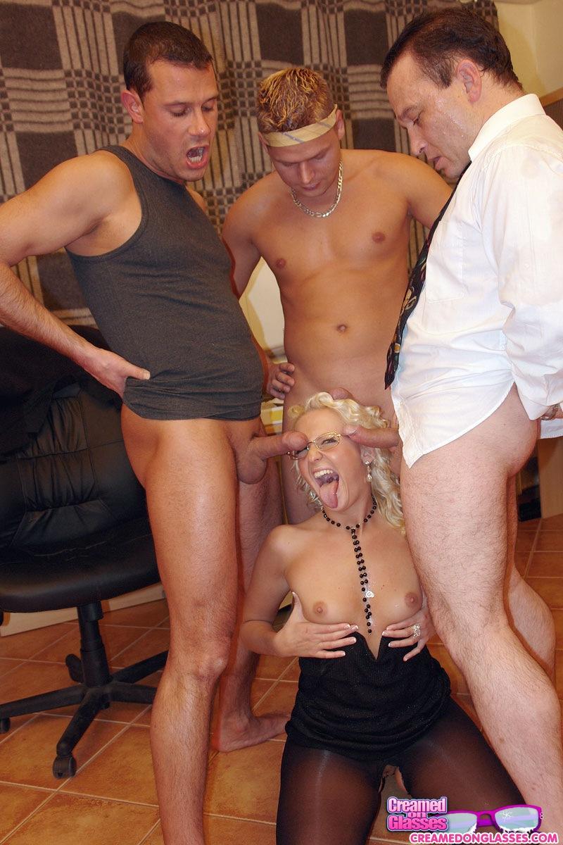 erotika-gruppovaya-razvrat