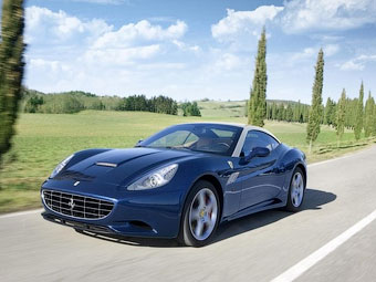 Обновленный суперкар Ferrari California. Фото Ferrari