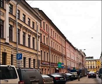 Wifi и кондиционированными номерами находится всего в минуте ходьбы от исторической сенной площади санкт-петербурга