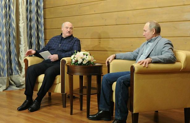 Присутствие Медведева наобеде Путина иЛукашенко опровергли