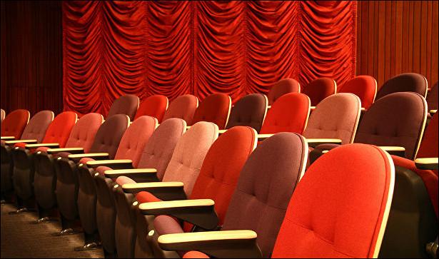 Театральные премьеры апреля: «Бал-маскарад» и«Фальстаф ипринц Уэльский»