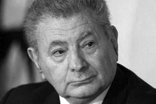 ВГреции напрогулке утонул экс-министр Сифис Валиракис