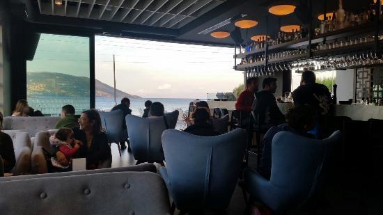 Ресторан в остров Порто Рафти