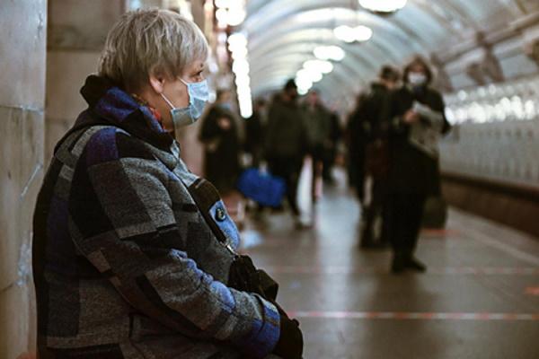Россиянам назвали годзавершения пандемии коронавируса