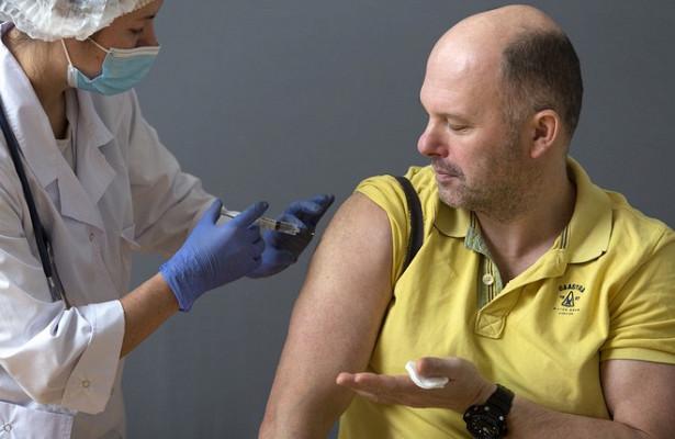 Переболевшим COVID-19россиянам рекомендовали сроки вакцинации