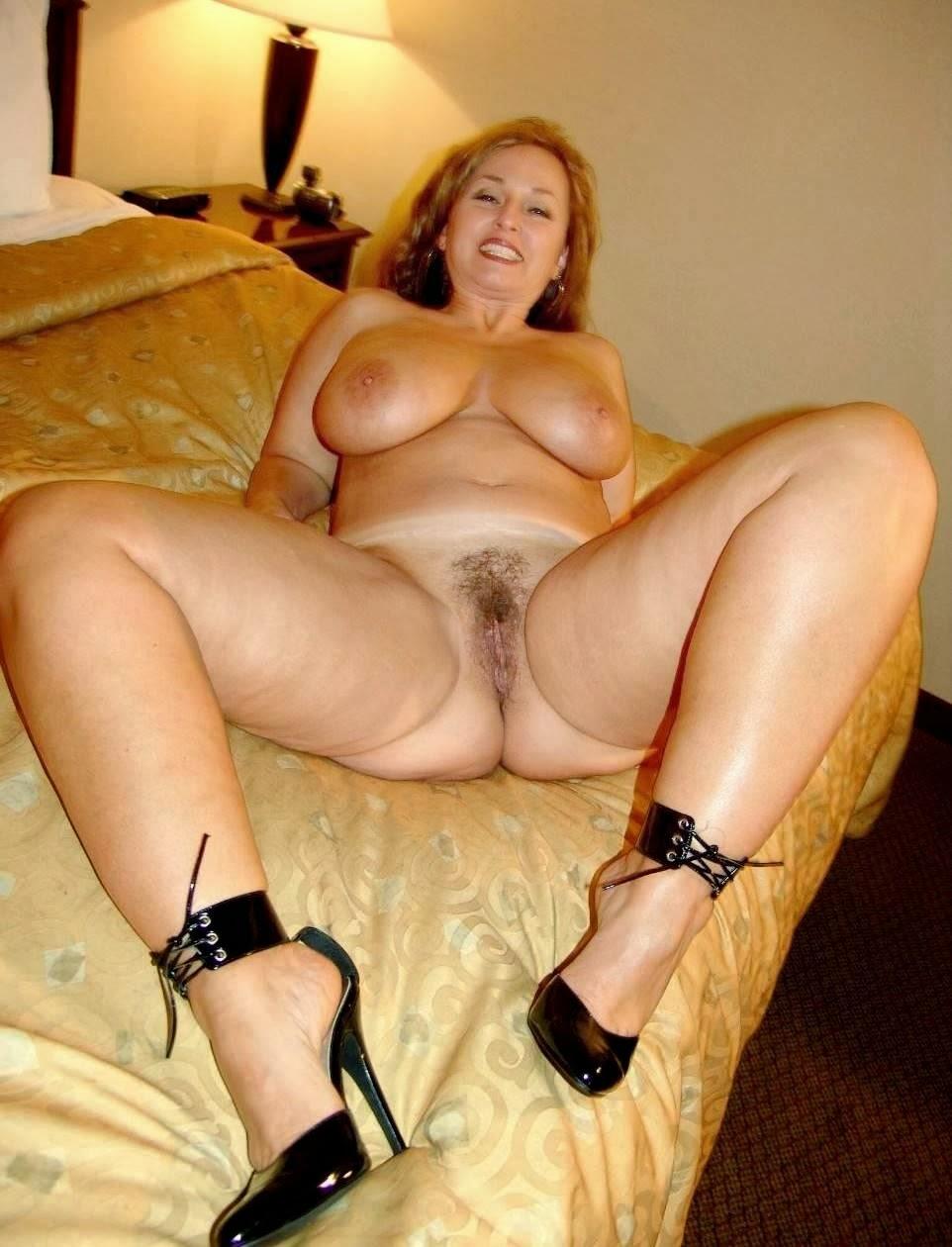 голые зрелые дамы эротические фото это был