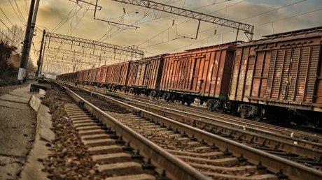 Дети погибшего подпоездом кузнечанина получат по50тысяч