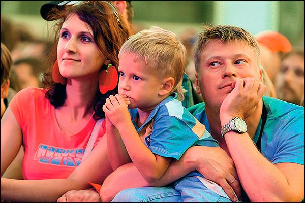 ВЦИОМ: 60% россиян назвали средним материальное положение семьи