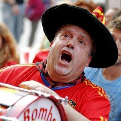 Болельщику разрешили принести «барабан Испании» в«Лужники»