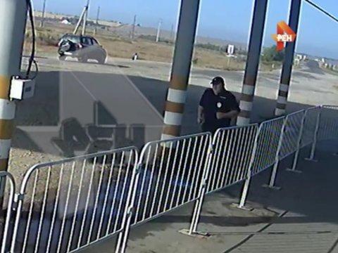 СМИ: Упитанного саратовского полицейского заставили бегать вокруг поста