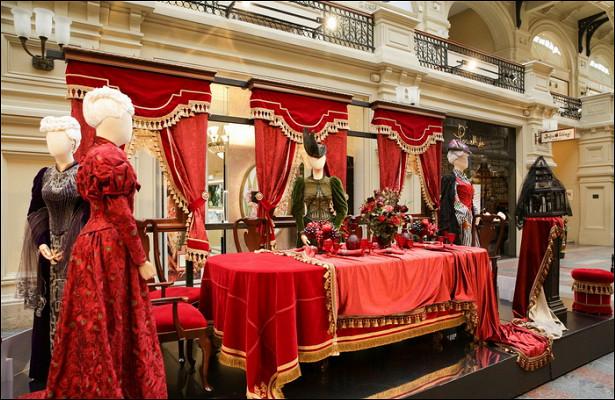 Выставка костюмов из«Матильды» открылась вГУМе