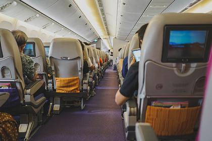 Российская стюардесса описала влияние цвета напассажиров