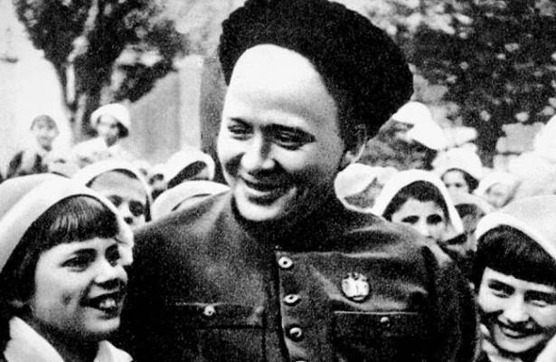 Аркадий Гайдар: жизнь исмерть настоящего Мальчиша