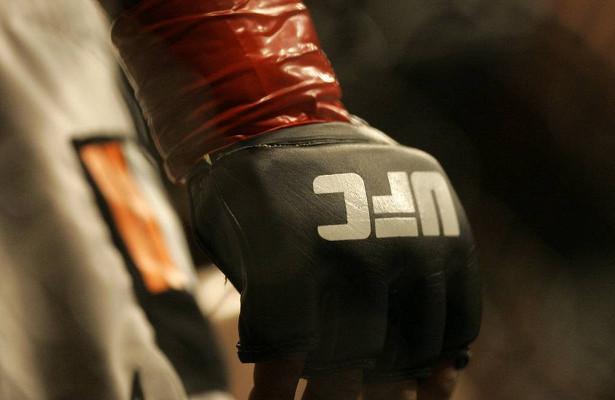 Платную трансляцию турнира UFC257посмотрели 1,6млнчеловек