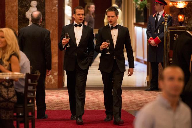 Watch Suits Season 2 online episode 13