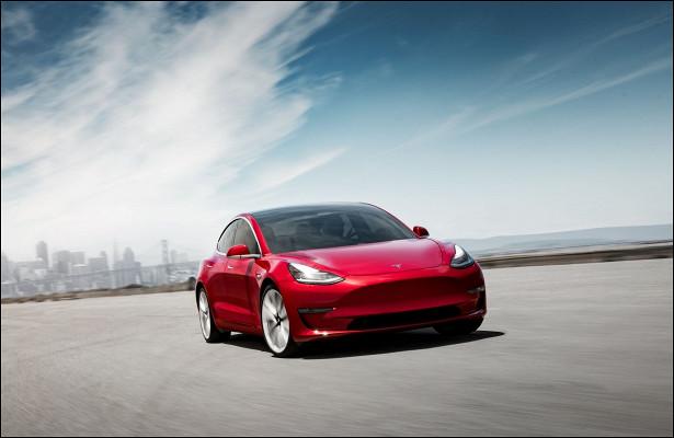 Электрокары Tesla провалили независимую проверку запаса хода