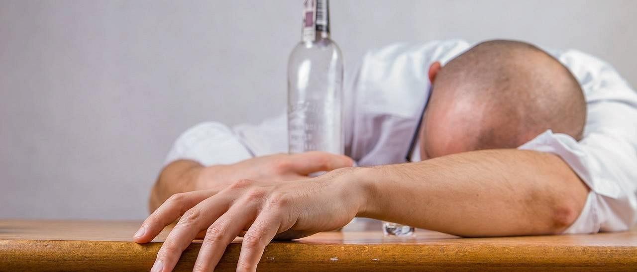 Как бороться с алкоголизмом на дому