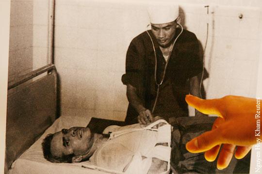 Вьетнамский тюремщик Маккейна отреагировал насмерть сенатора