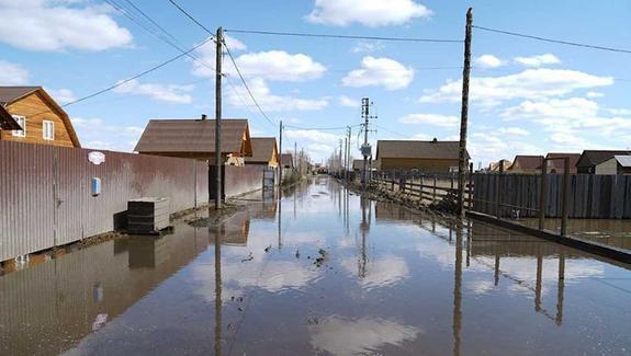 Паводок вПриангарье чуть несмыл Хомутово ииспортил воду вУсолье-Сибирском