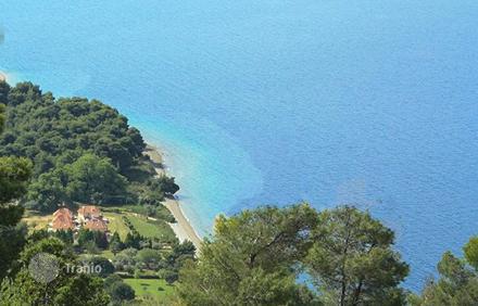Участок в остров Фессалия у моря