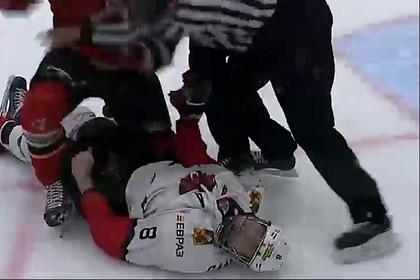 Игрок российской молодежной хоккейной лиги ударил соперника головой облед