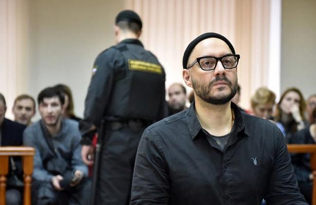 Режиссер Кирилл Серебренников провел поддомашним арестом ужегод