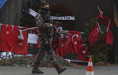 Названо имя напавшего наклуб вСтамбуле— Террорист изУзбекистана