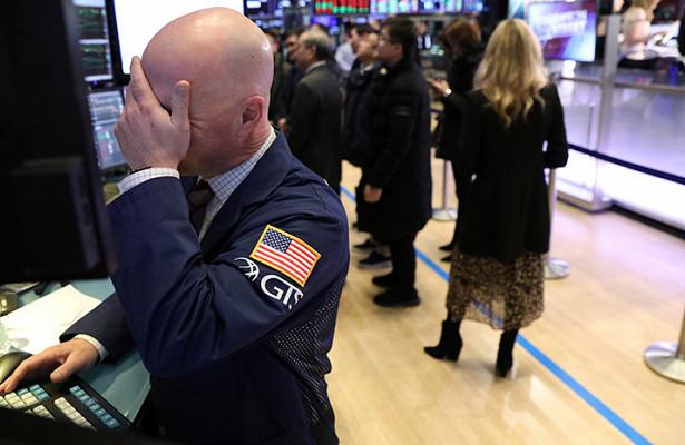 Эксперт отметил «циничность» фондовых рынков, гдедоллар укрепляется кевро