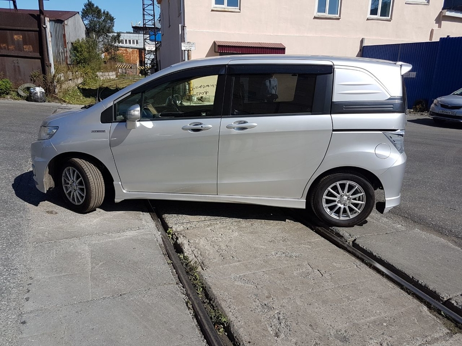Продажа Honda Freed Spike в Кыре - kyradromru
