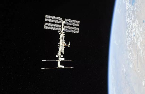 Космонавты выбросили вкосмос грязные полотенца