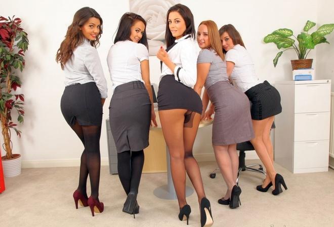 Смотреть порно групповуха с секретаршей