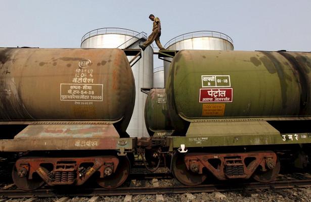 Россия обсудит сИндией условия поставок нефти на20лет