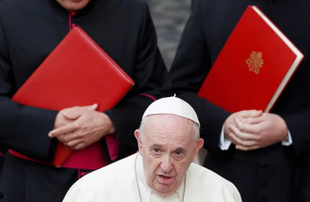 Cлова Папы Римского потрясли церковь