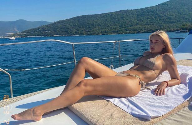 «Этонепроблема красивой женщины»: Рудова обиделась накритику подписчиков