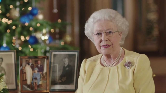 Queen Elizabeth II's Christmas message: Light can triumph