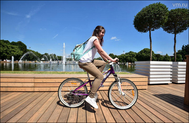 Перекопанную велодорожку приводит впорядок руководство соседнего парка