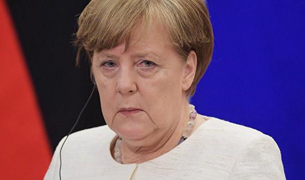Канцлер Австрии обсудит сМеркель вопрос миграции