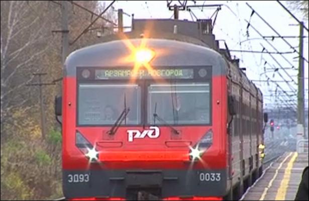 Пассажир нижегородской электрички пострадал придавке ввагоне