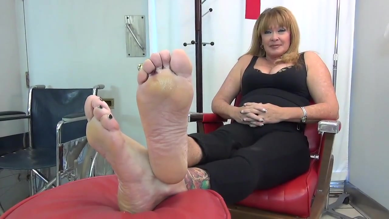 Ebony legs fetish clips