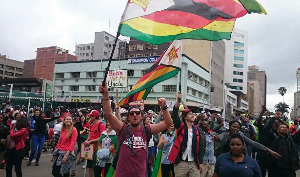 Лидер оппозиции вЗимбабве призвал кдиалогу длярешения кризиса встране