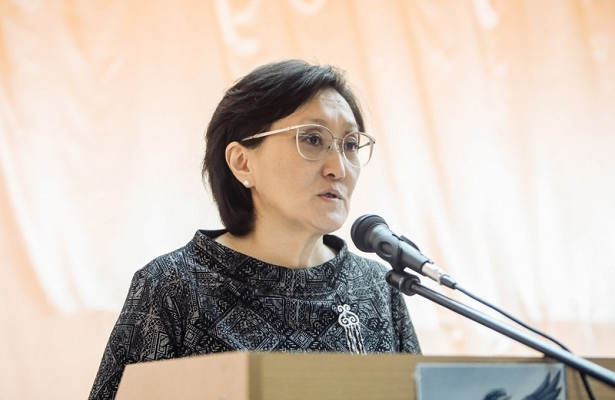 Представители уходящей главы Якутска отрицают давление нанеёсостороны власти