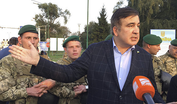 Сторонники Саакашвили прорвали оцепление награнице