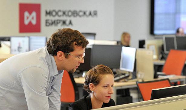 Российский рынок акций почти неменялся нафоне ослабления рубля