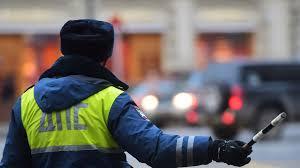 Такси въехало втрамвай вцентре Москвы