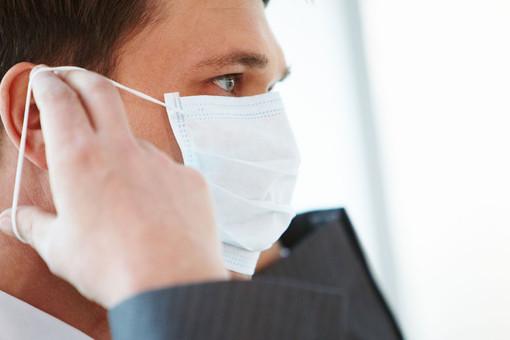Ученые предупредили обопасности разговоров прикоронавирусе