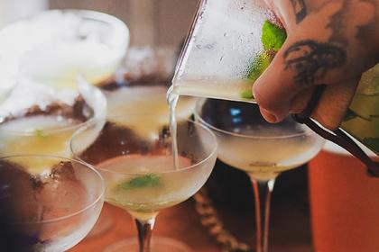 Диетолог назвала способ замедлить опьянение оталкоголя