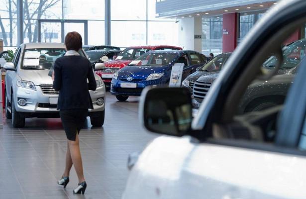 Продажи легковых авто вРоссии упали на9%