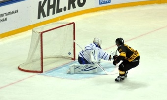 Впервом матче сезона МХЛ«Локо» проиграл «Чайке»