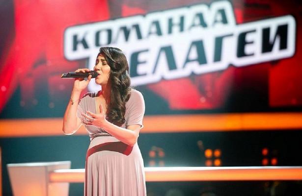 Поздравили срождением дочери, акнаставнику невзяли: чемудивил новый выпуск шоу«Голос»