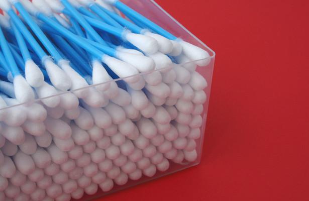Почему нельзя чистить ушиватными палочками